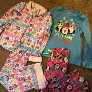 Girls size 7 pajamas set of 2